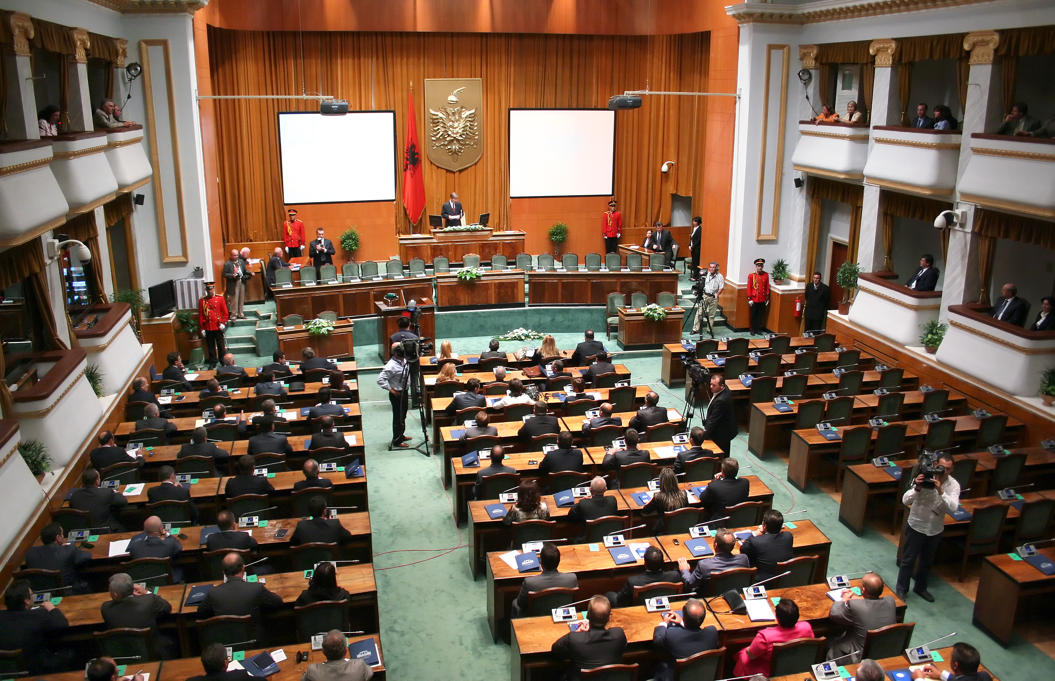 Albanian authorities pursue highly problematic media laws despite public outcry